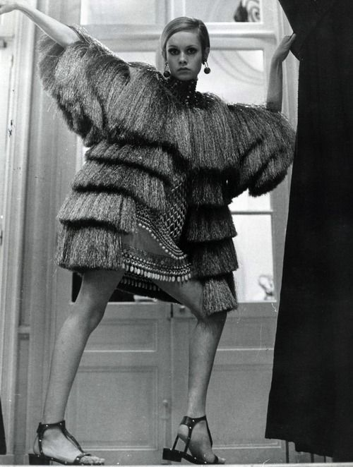 Twiggy fringing out, 1960s obviously!  Fashion | Style | Photography | Mod Inspiration | Katharine Kidd