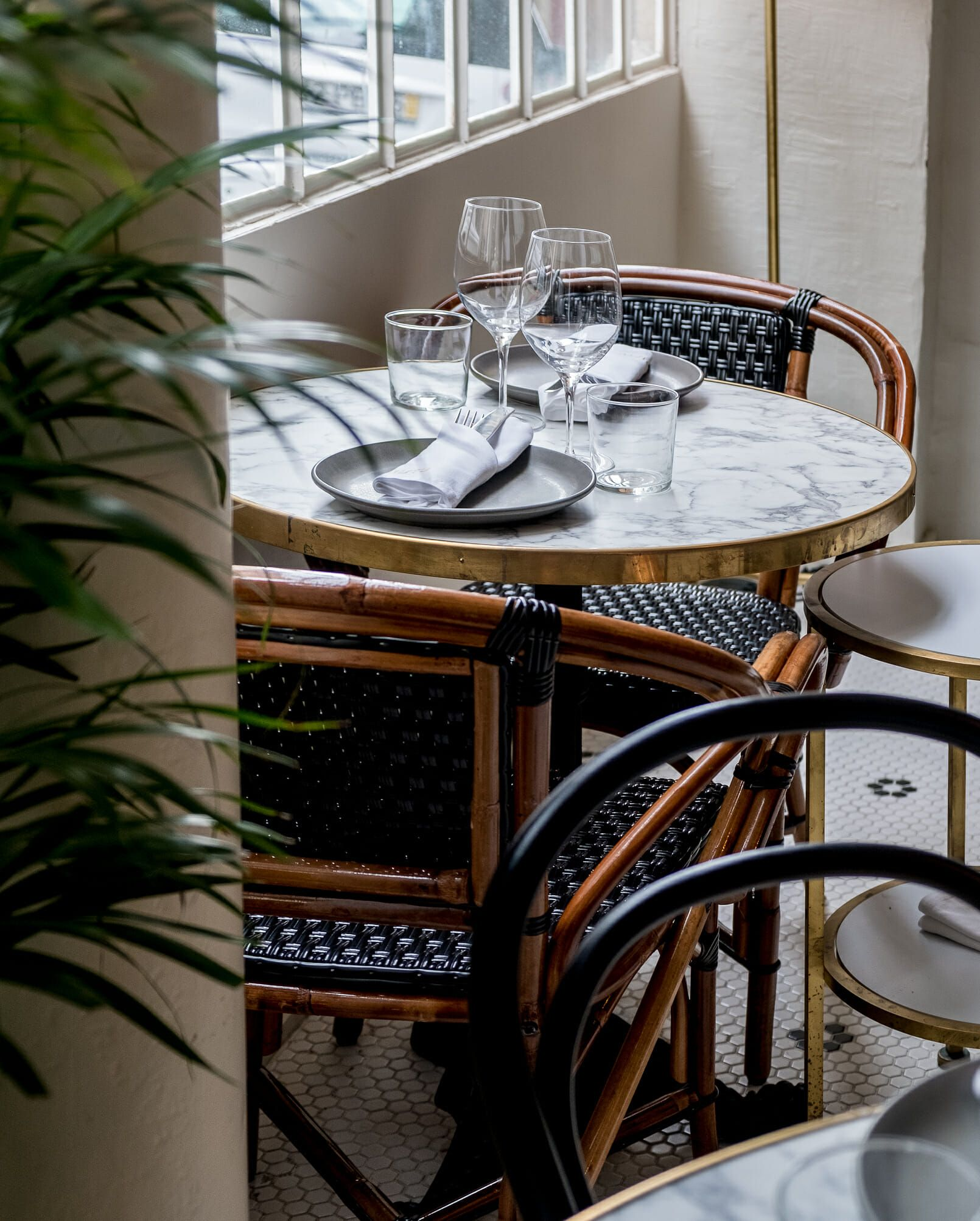 Mistu The New Restaurant In Downtown Porto You Need To Know Marble Tables Design Marble Tables Living Room Marble Table