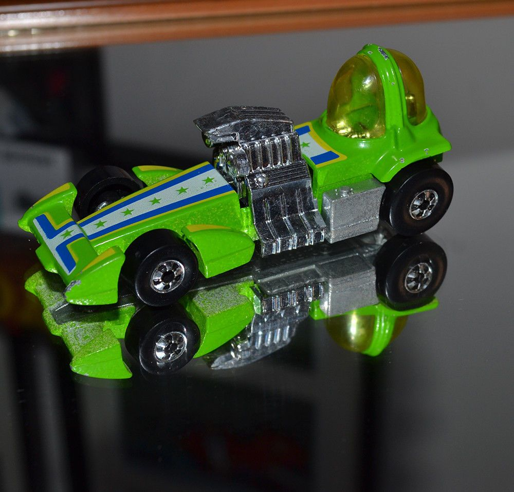 Hot Wheels VINTAGE black wall Bubble Gunner in good condition ...