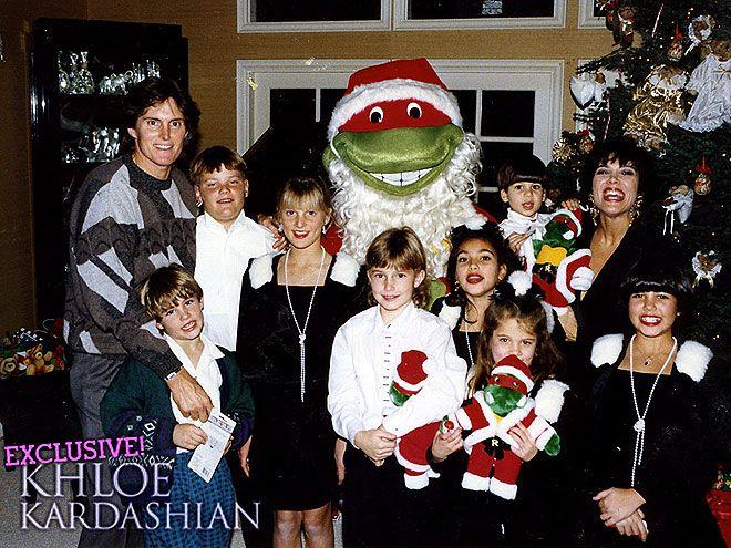 The Kardashians Very Merry Christmas Cards Through The Years Kardashian Jenner Christmas Card Kardashian Christmas Card Kardashian Christmas