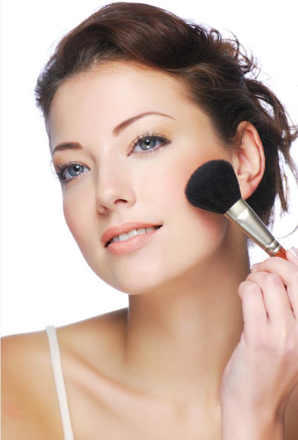 Makeup Tips For Dark Hair & Fair Skin making it up