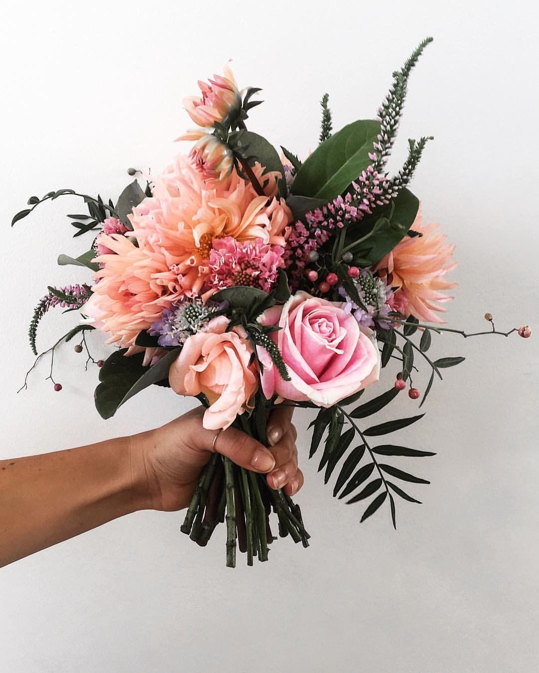 Floral bunch ☾☼ x o n e a x o ☼☽