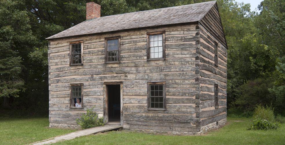Pin oleh simone shin di house pinterest for Colonial log homes