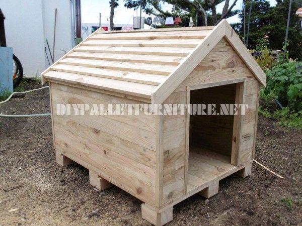 Niche construite avec des palettes dog houses house - Niche pour chien avec palette ...