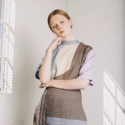 A classic black linen pencil skirt here, a summery pale blue jumpsuit there: Ka-He's shelves are stocked up with staples, all beautifully made from natural materials.
