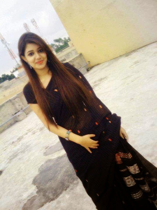 Hot Indian Housewife In Black Saree Photos At Hot Styles -2529