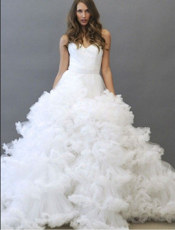 Spectacular Tulle Spaghetti Straps A Line in Wedding Dress with Convertible Dramatic Ruffle Skirt