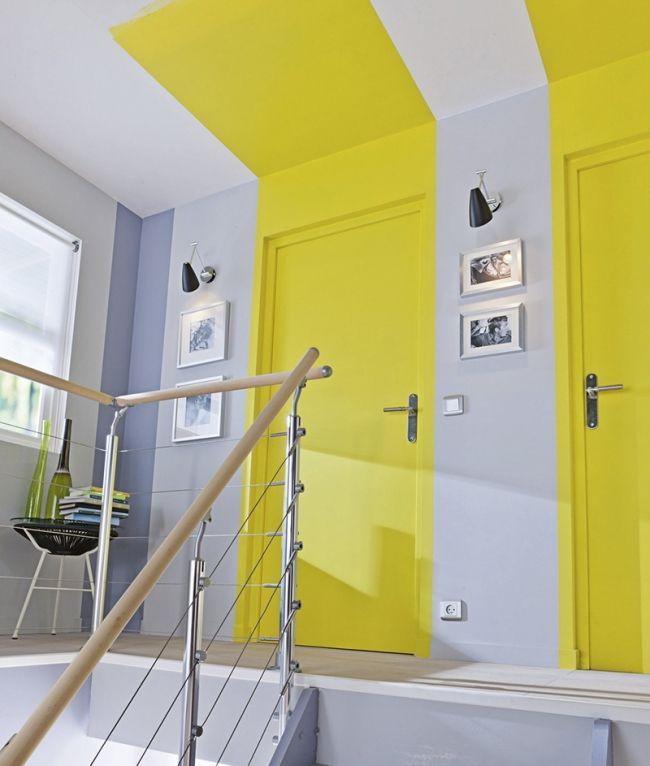 les murs se la jouent graphiques peinture jaune jaune fluo et fluo. Black Bedroom Furniture Sets. Home Design Ideas