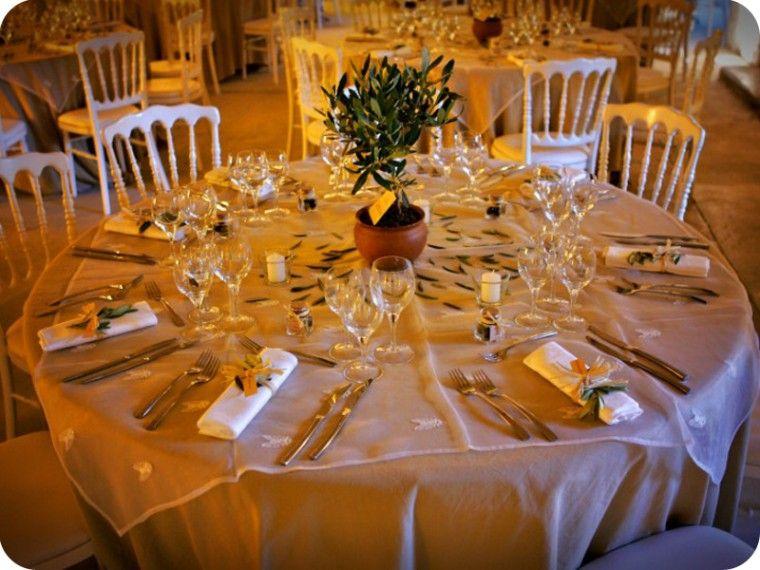 id e de th me pour un mariage l 39 olivier tout un symbole centre de table pinterest id es. Black Bedroom Furniture Sets. Home Design Ideas