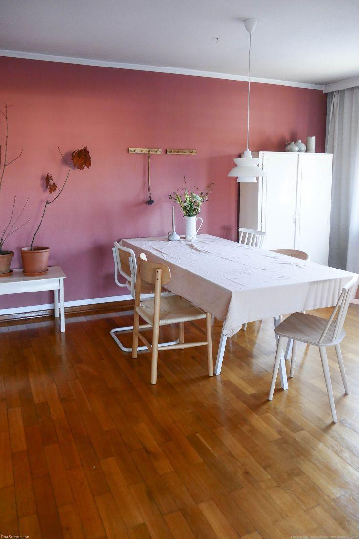Warmes Rot als Wandfarbe im Esszimmer von www.kolorat.de