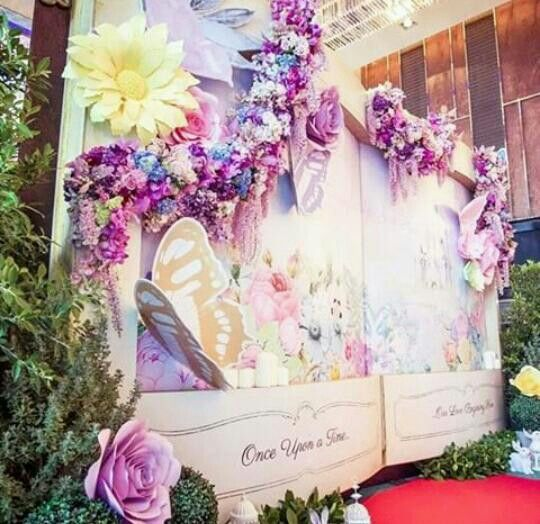 485 Likes 3 Comments Paper Flower Backdrops Sydneypaperflowers On Instagram Paper Flower Backdrop Wedding Flower Backdrop Wedding Paper Flowers Wedding