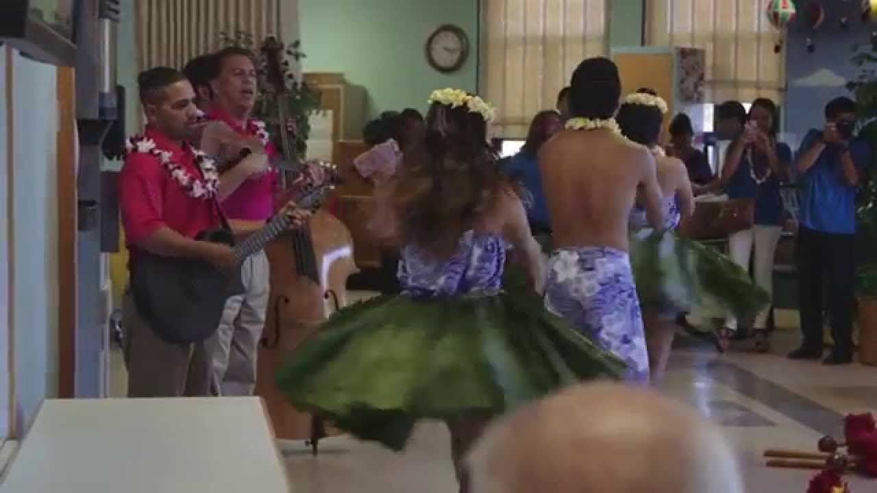 Hawaiian Airlines Shares Aloha And Celebrates Lei Day In San
