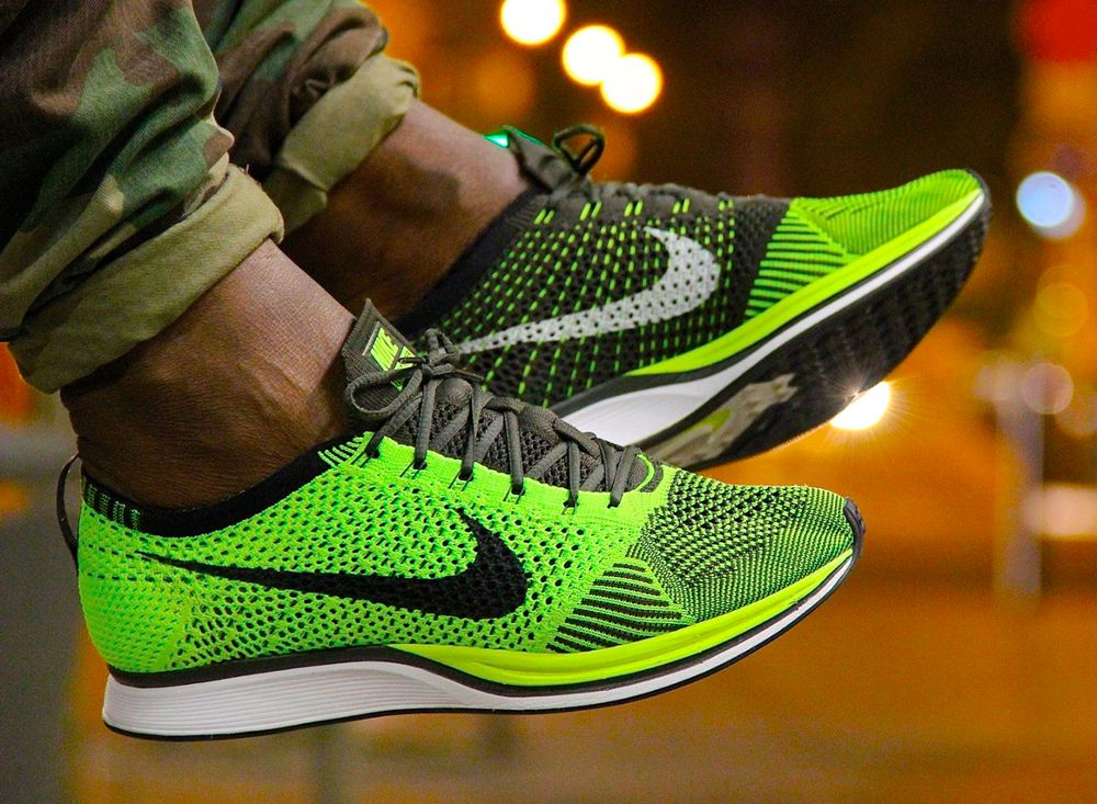 100% authentic 5b743 742fd Nike Flyknit Racer Volt -  yokickz. Nike Flyknit Racer Volt -  yokickz  Chaussures De Course, Chausure Homme, Mode Homme
