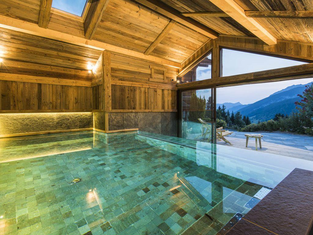 Location Vacances Chalet Le Grand Bornand Piscine Chalet Des Envers Piscine Interieure Piscine Interieure Grange Jacuzzi