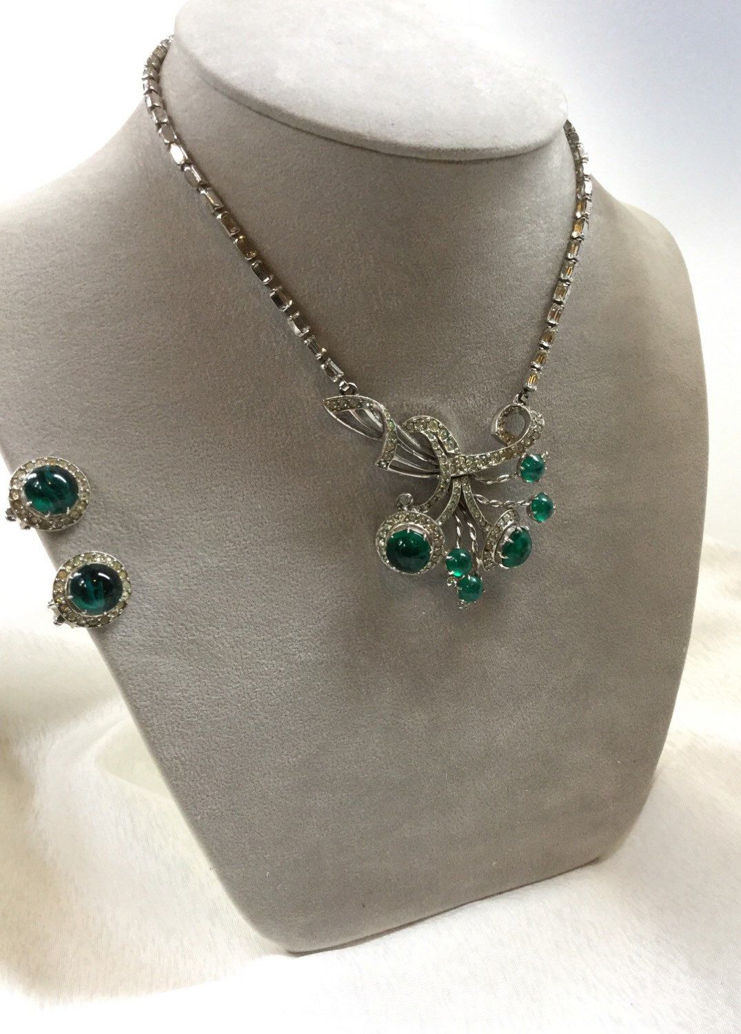 Reserve for brenda schiaparelli necklace and earring set exquisite