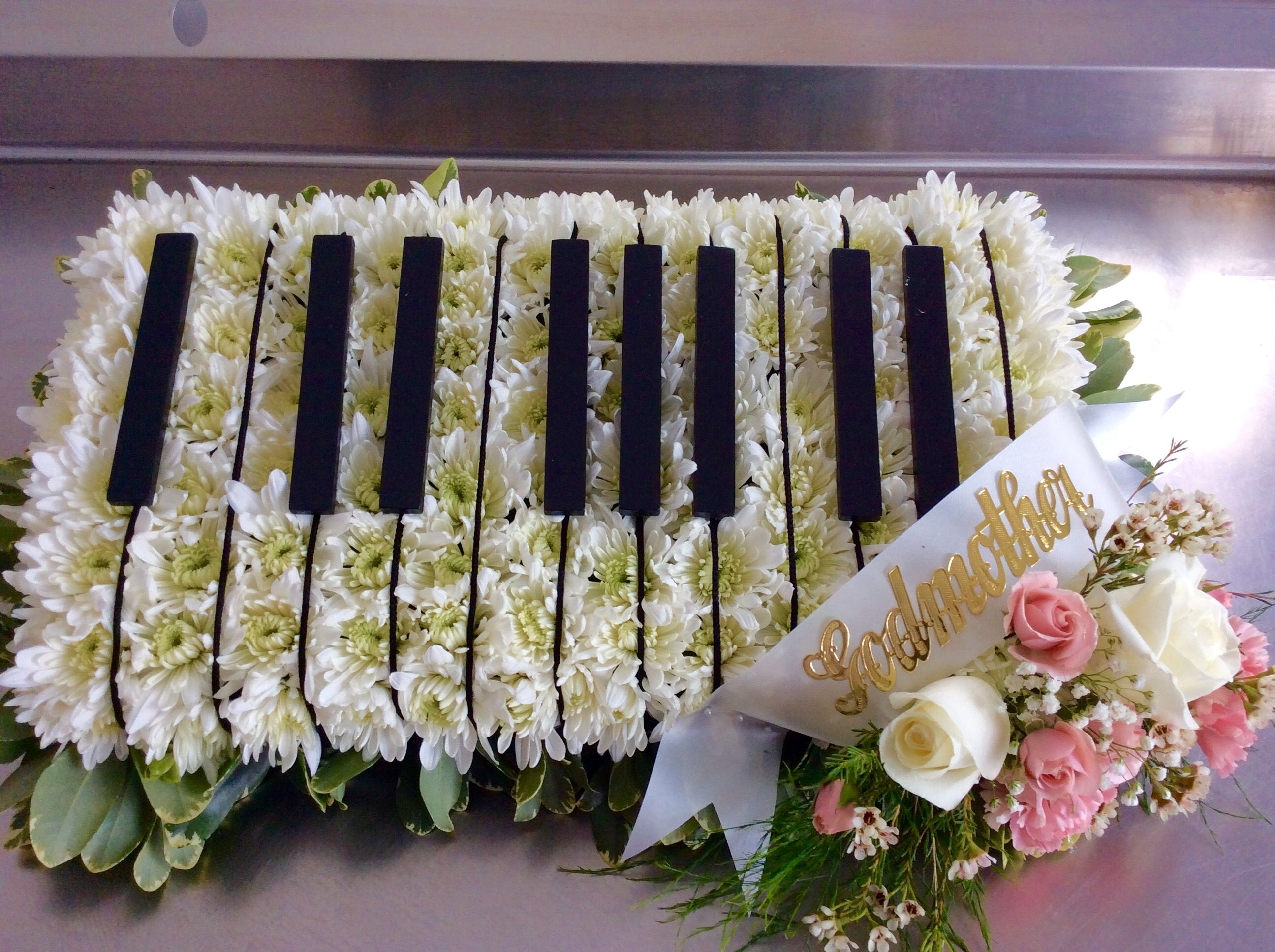 Custom funeral flowers piano tribute by petals warwick in ri custom funeral flowers piano tribute by petals warwick in ri izmirmasajfo