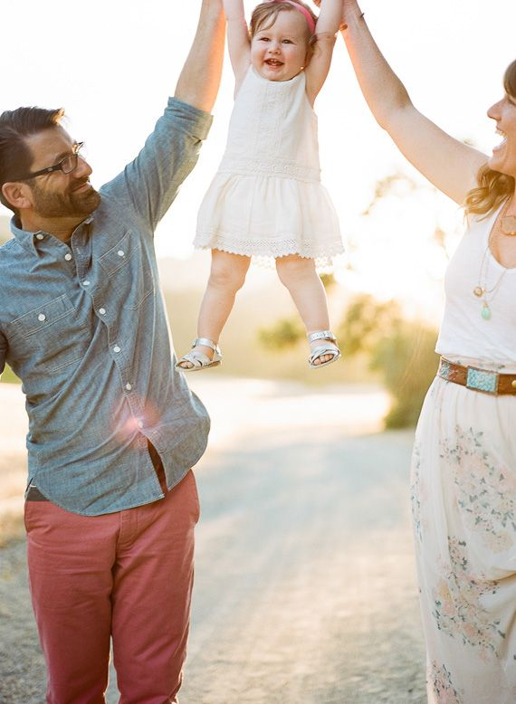 Family Picture Pose Ideas With One Child Family Picture Poses - Mother captures childhood joy photographs daughter