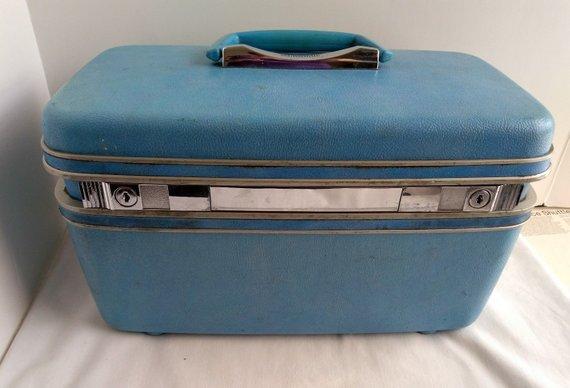 Vintage Samsonite Baby Blue Cosmetic Makeup Train Case Luggage