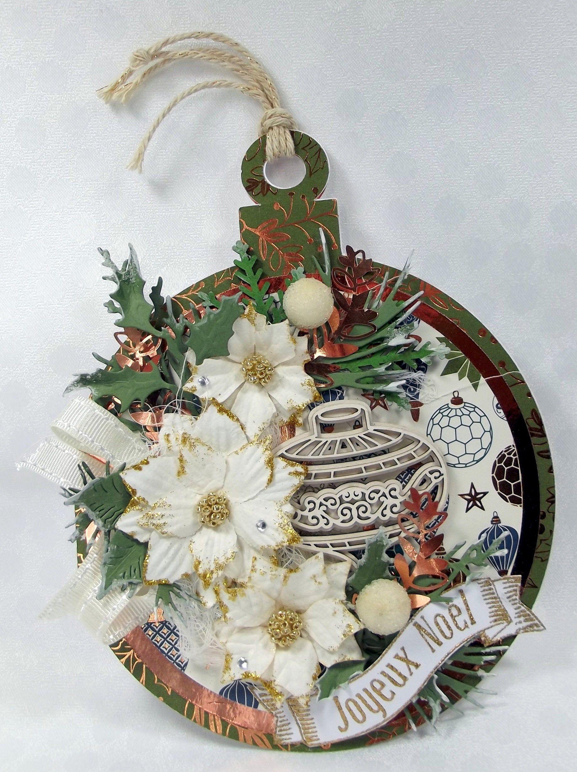 Carte Joyeux Noel forme boule de Noel, carte de voeux originale