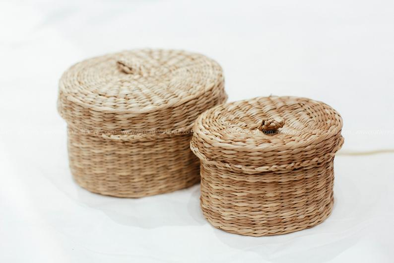 Set Of 3 Braided Handwoven Natural Oval Square Holder Basket With Lid Natural Weave Wicker Seagrass Container Vintage Jar Bathroom Kitchen Trong 2020