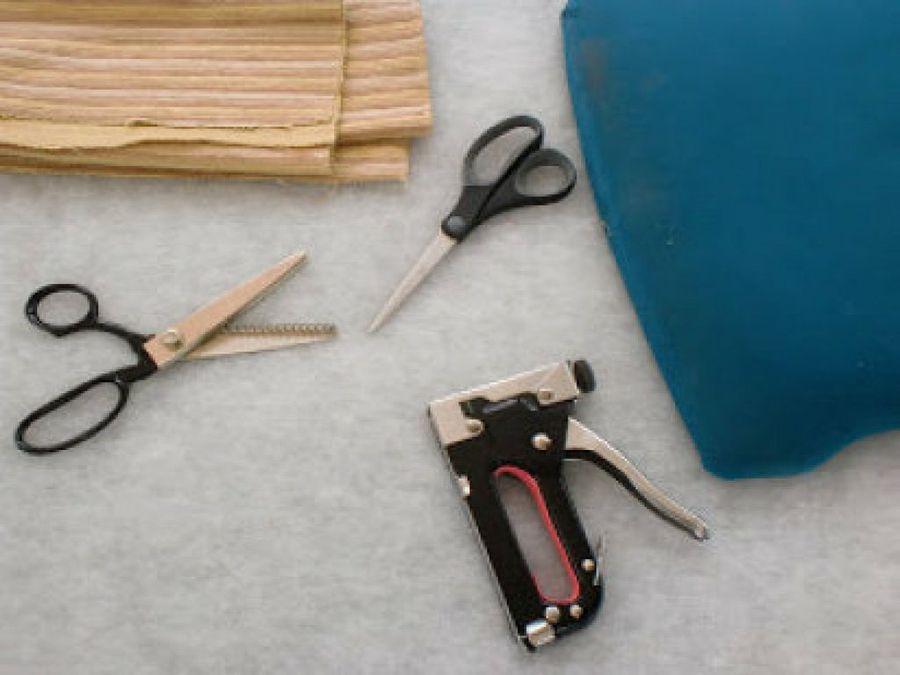 Tapizar una silla de muelles (Segunda parte) | Tapizado, Muelle y Sillas