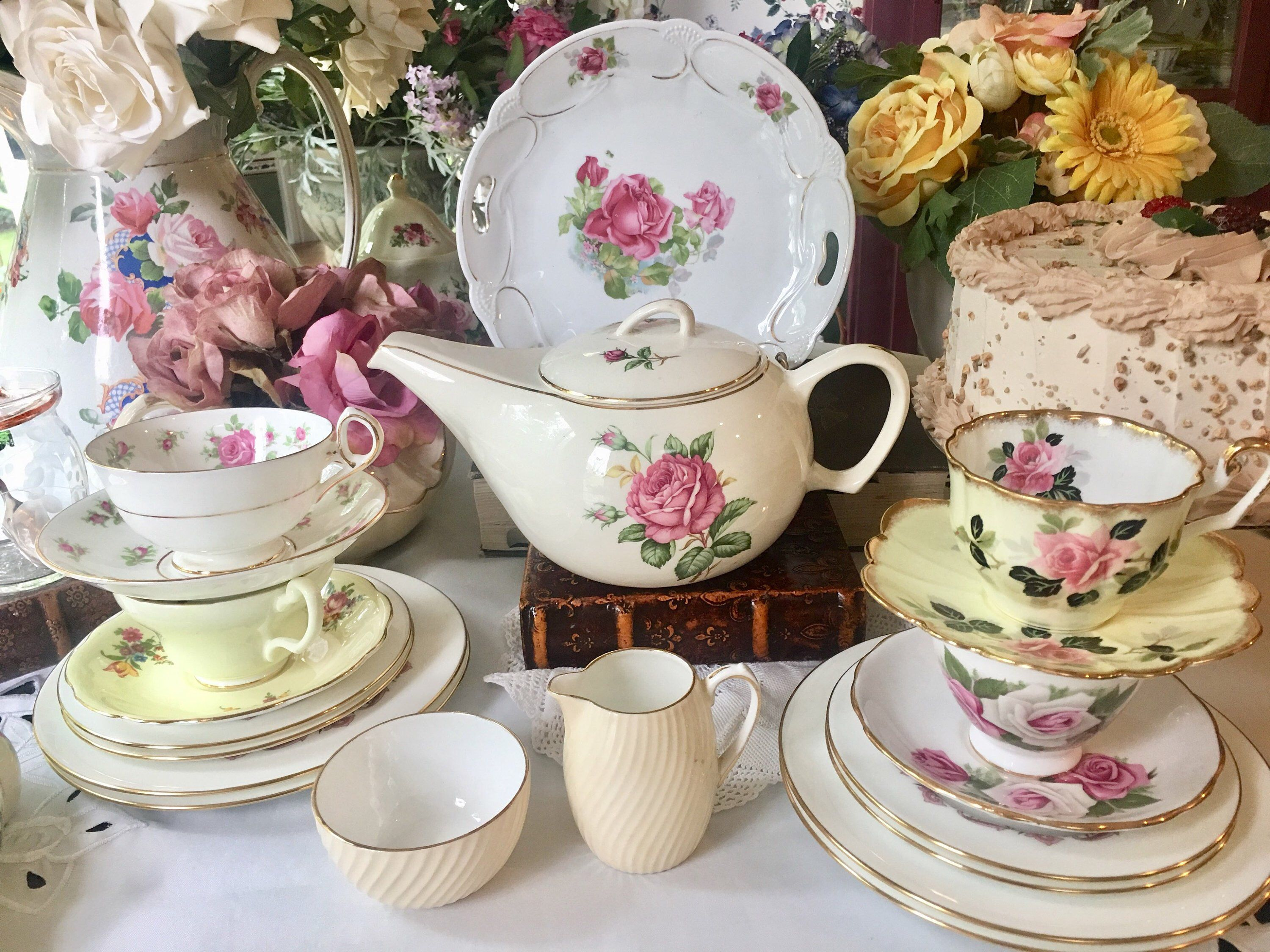 Excited To Share This Item From My Etsy Shop Mismatched Vintage Tea Set For 4 All English Teacups With Minton Plates 20 Tea Sets Vintage Tea Cups Vintage Tea
