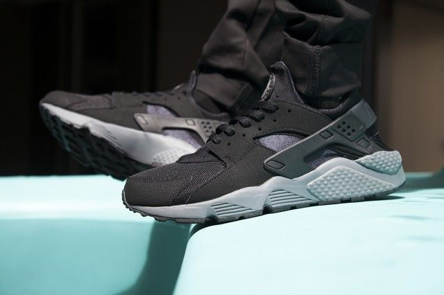 purchase cheap 552c4 4328e HUGE PRE-CHRISTMAS NIKE HUARACHE DROP @ FOOT LOCKER AU ...