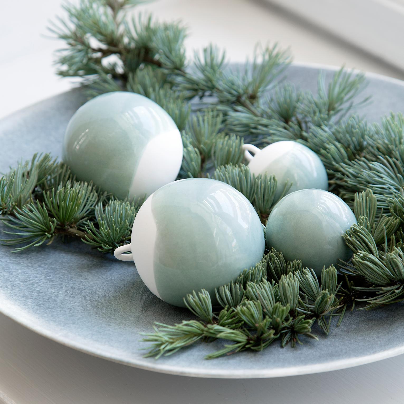 Julen kommer (meget) tidligt i år med den smukke Nobili serie fra Kähler! Skab en hyggelig julestemning med Kählers Nobili  dekorationskugler. Nu på webshoppen. (Leveringstid: Oktober 2015)