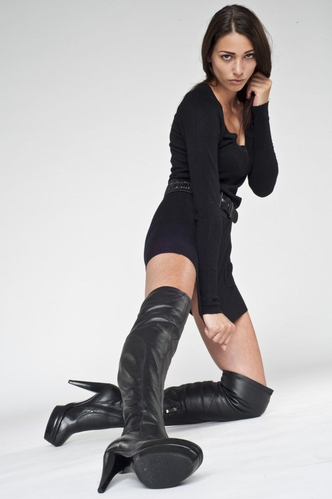 Women In Leather Boots - Yu Boots