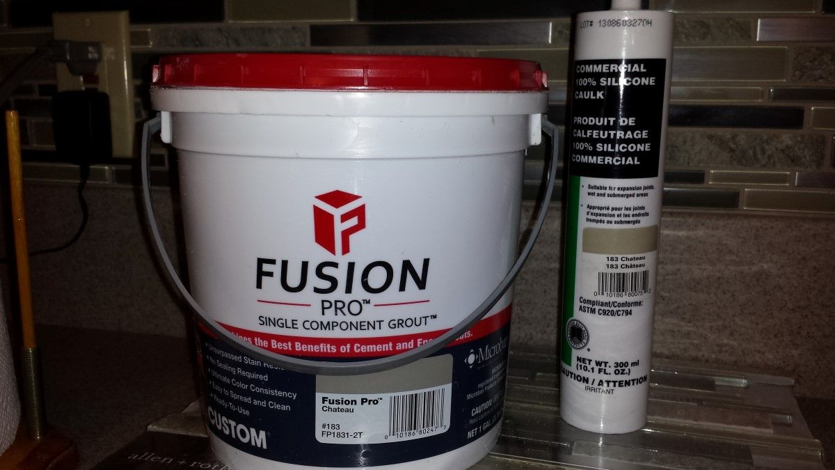Epoxy And Urethane Grouts Are Called Stain Proof Grouts Covers Single Component Grouts Fusion Flexcolor Cq Spectralock Quartz Stain Proof Grout Stain Grout