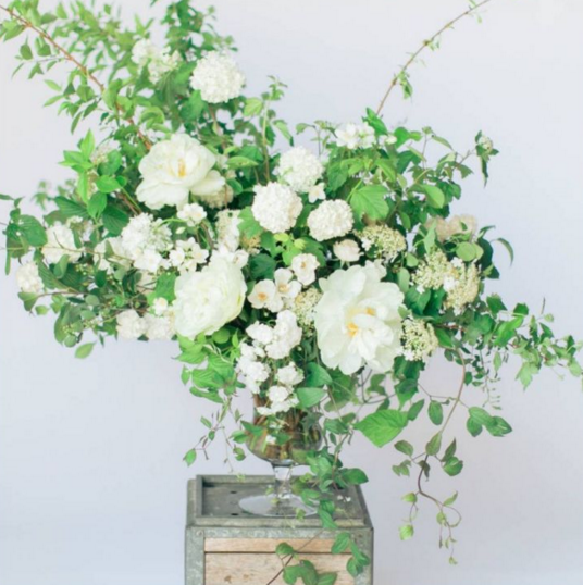 Flower Arrangement For Church Wedding: Beautiful Light Urn Arrangement