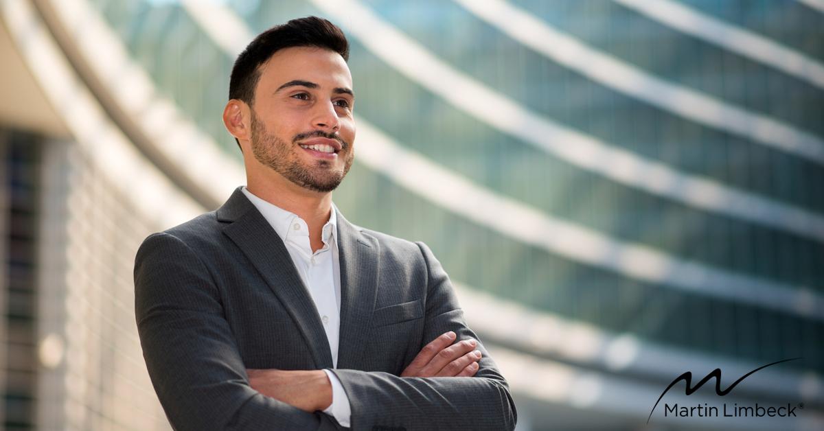 Wie können Sie im #Vertriebsalltag mit Ihrer #Präsenz überzeugen? Und welche nonverbalen Signale helfen Ihnen dabei, im Rahmen von Verkaufsgesprächen, noch besser mit Ihrem Kunden zu kommunizieren? Mehr dazu im heutigen Monday-Morning-Must von Klaus W. Schwarz:  http://www.managementtraining.de/2016/10/24/mit-praesenz-ueberzeugen/