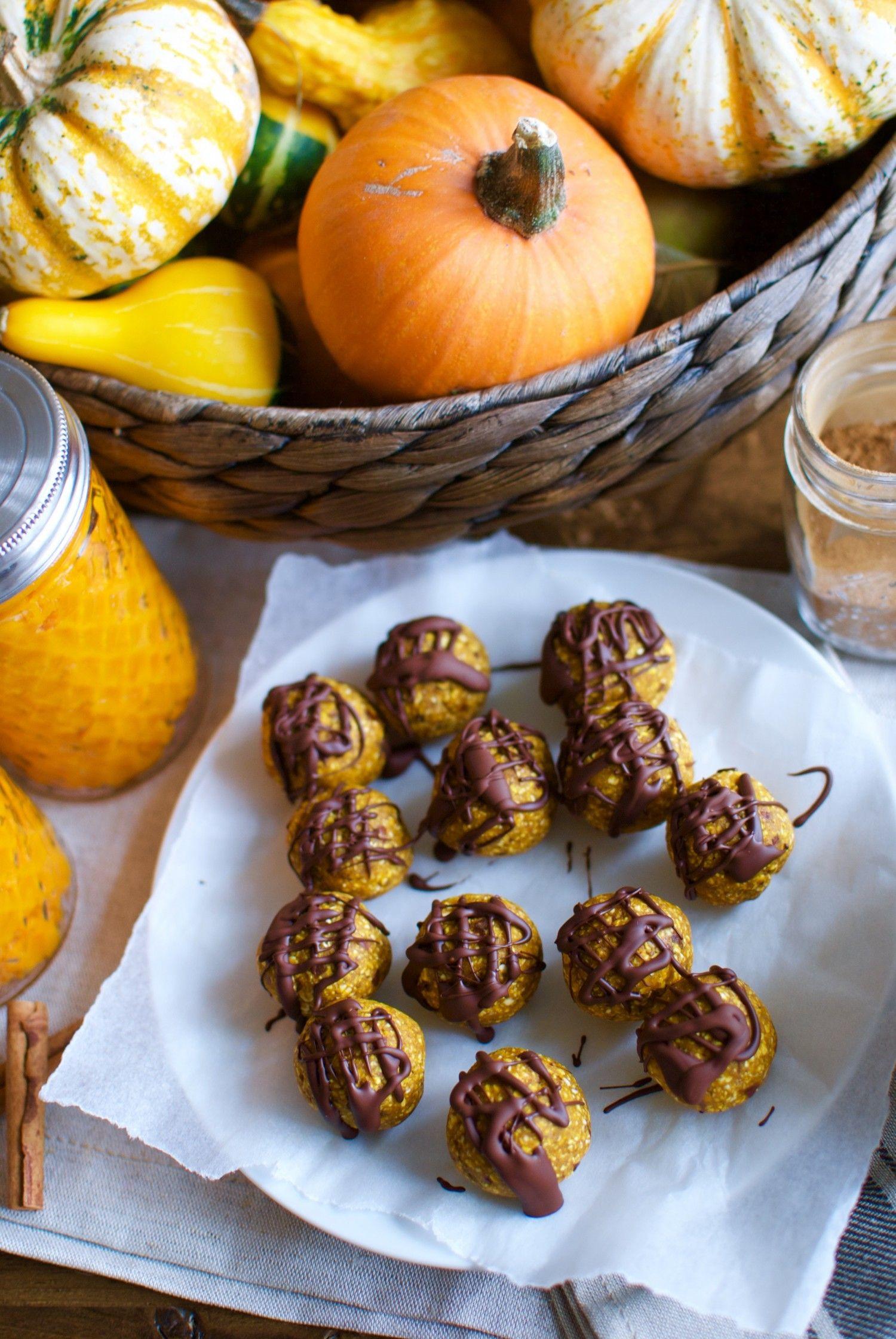 Pumpkin snack balls with dark chocolate