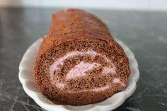 chokladrulltårta med hallongrädde