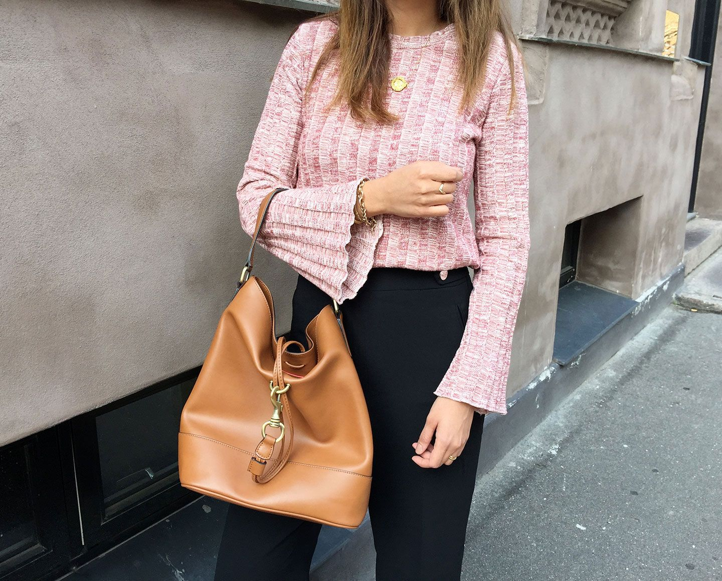 Pink ribbed top | My Style | Pinterest | Bucket bags, Tommy ...