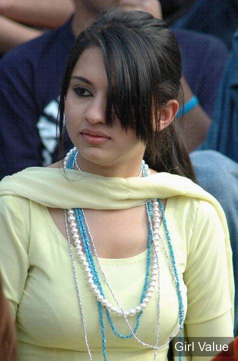 pakistani girl in nice shalwar kameez salwar