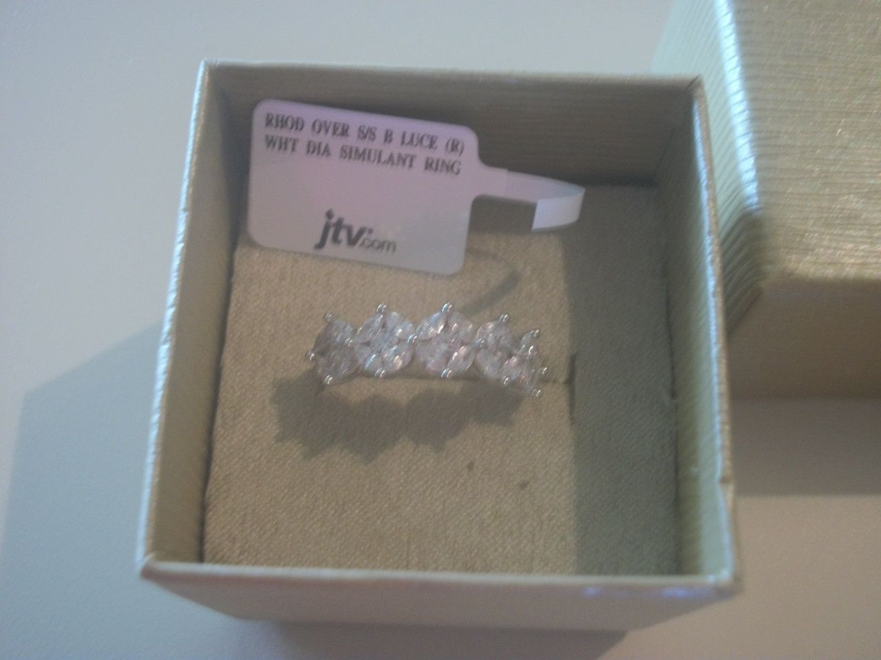 Beautiful Bella Luce 340ctw Sterling Silver Cluster Ringmint  Conditionsize 10