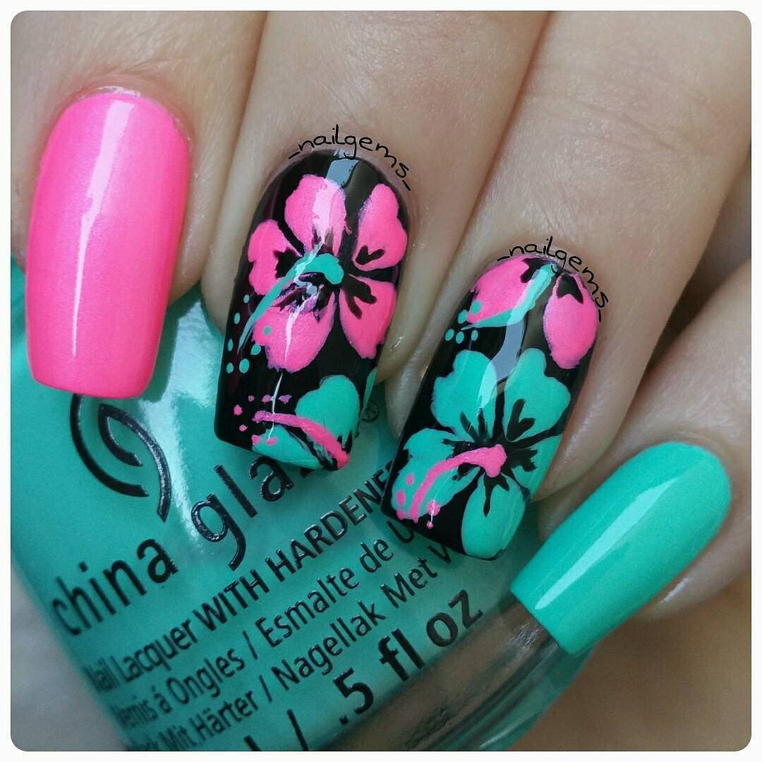 I M Really Loving Doing Hibiscus Flowers I Can T Believe I Have Only Just Learnt How To Paint Them For This Design I Hibiscus Nail Art Flower Nail Art Nails