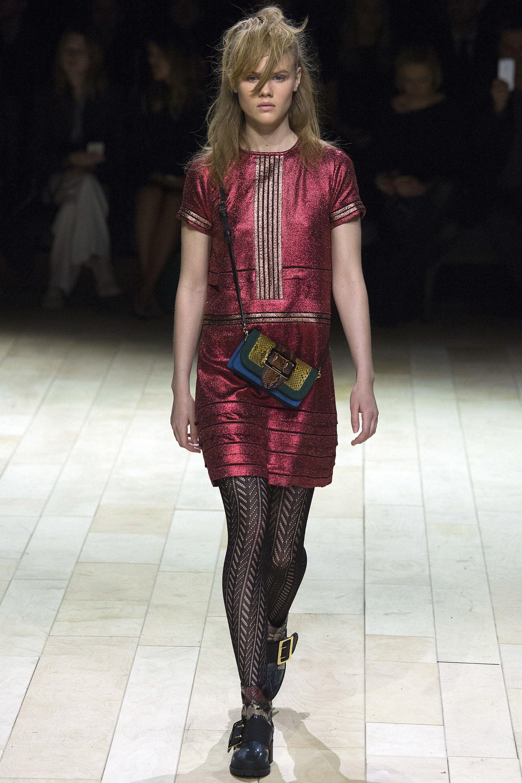 Burberry Fall 2016 Ready-to-Wear Fashion Show - Elisabeth Faber