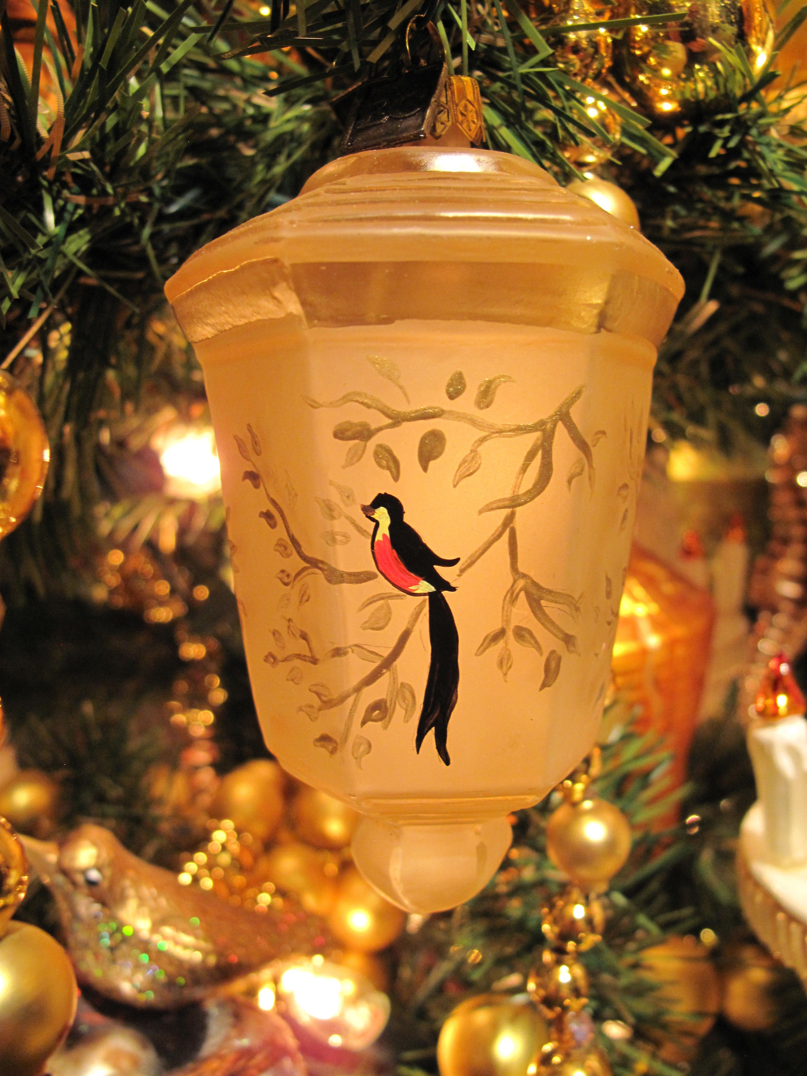 Eric Cortina ornament Japanese Lantern gold 2008 (With
