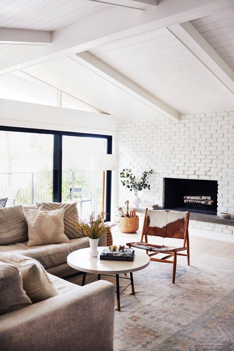 15 Dazzling Minimalist Furniture Ikea Ideas Minimalist Living Room Apartment Dark Walls Living Room Minimalist Living Room Beautiful living rooms tumblr