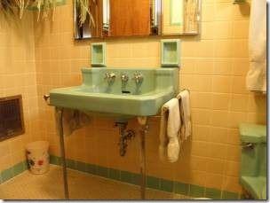 Pin By Mid Century Every Day On Time Capsule Mcm Homes Vintage Bathroom Bathroom Fixtures Vintage Bathrooms