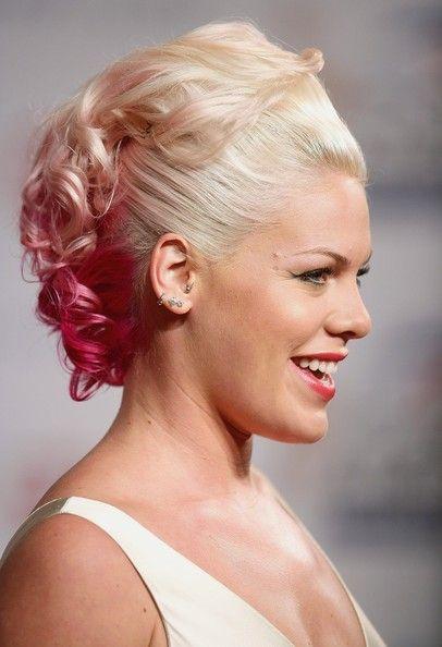 Pink Photos Photos In Profile Pink Pink Singer Pink Hair Hairstyle