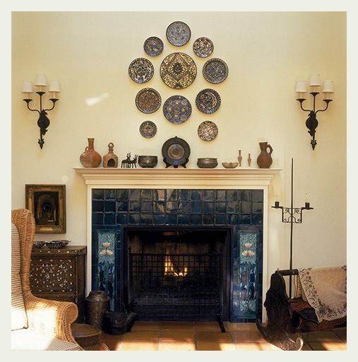 love the fireplace surround and the plate display - Steinplatte Kamin Surround