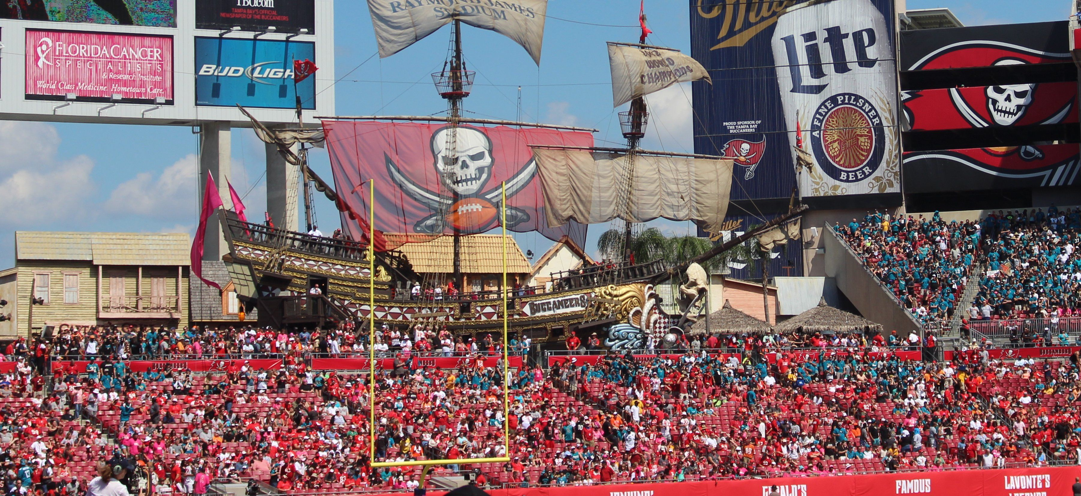 Tampa Bay Buccaneers Ship Inside Raymond James Stadium In Tampa Florida Raymond James Stadium Tampa Bay Tampa Bay Buccaneers