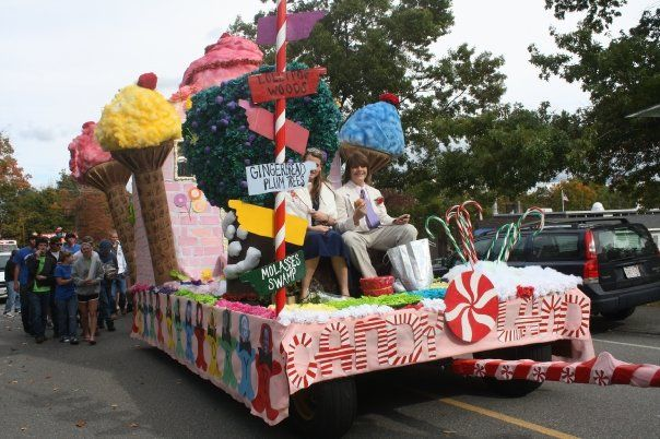 candy themed parade float lunenburgstuco homecoming parade - Float Decorations