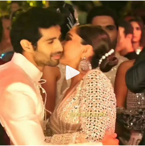 |WATCH|Deepika Padukone Shakes a Leg With Abu Jani Sandeep ...