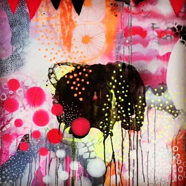 """Farver der sprudler af energi og glæde malet af @gallerimarlene   Hun har næsten udsolgt af alle hendes værker ... se i CREATIVES.nu app"""" en meeeeen så er det godt hun elsker bestillingsopgaver ...  💕#maleriertilsalg #billedkunstner #indretningsinspiration #appstore #creativesnu"""