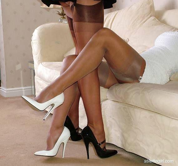 Женские ножки в нейлоне фото секс