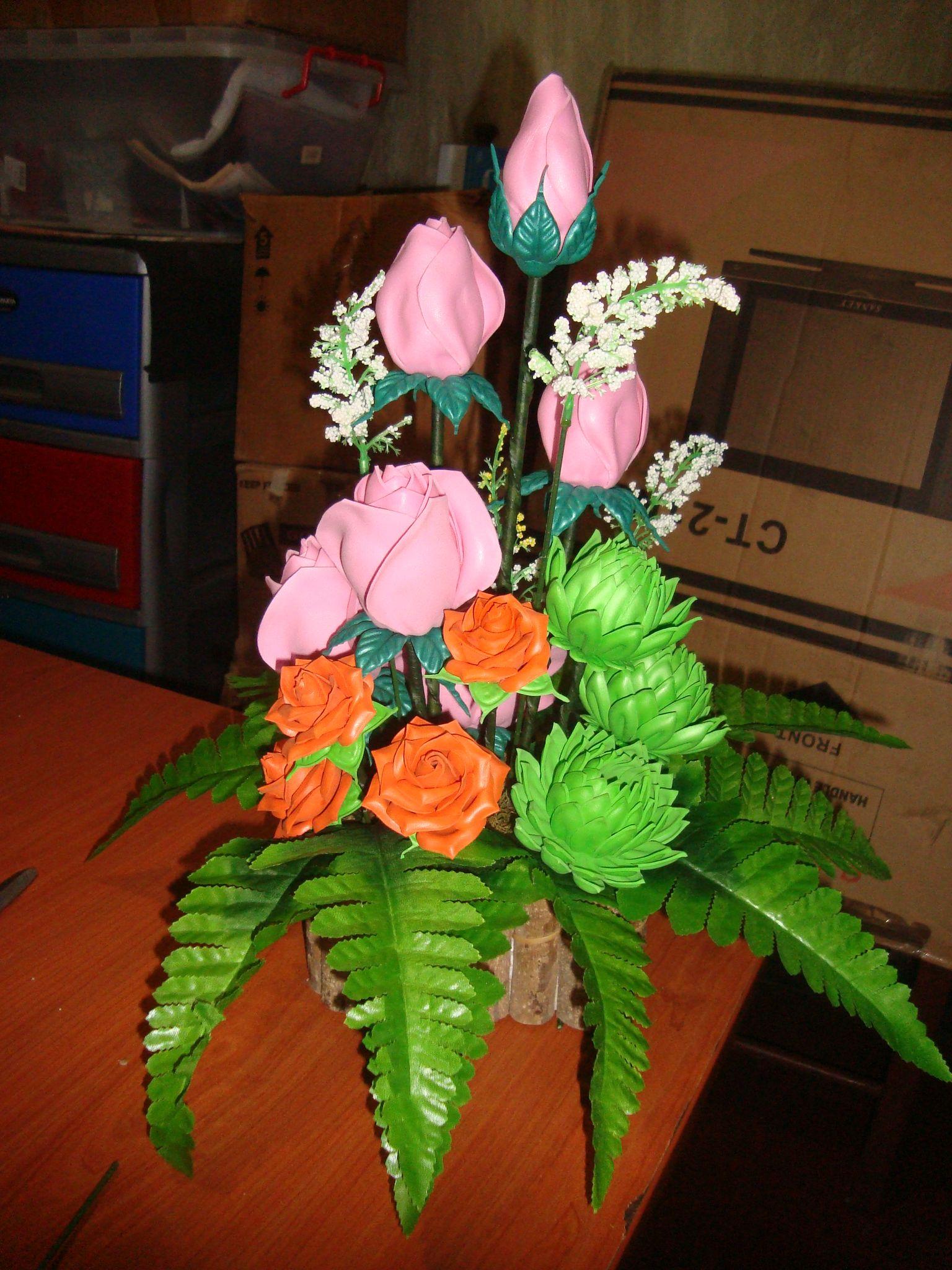 Arreglo De Rosas Rosadas Hechas Con Troqueles En Foamy